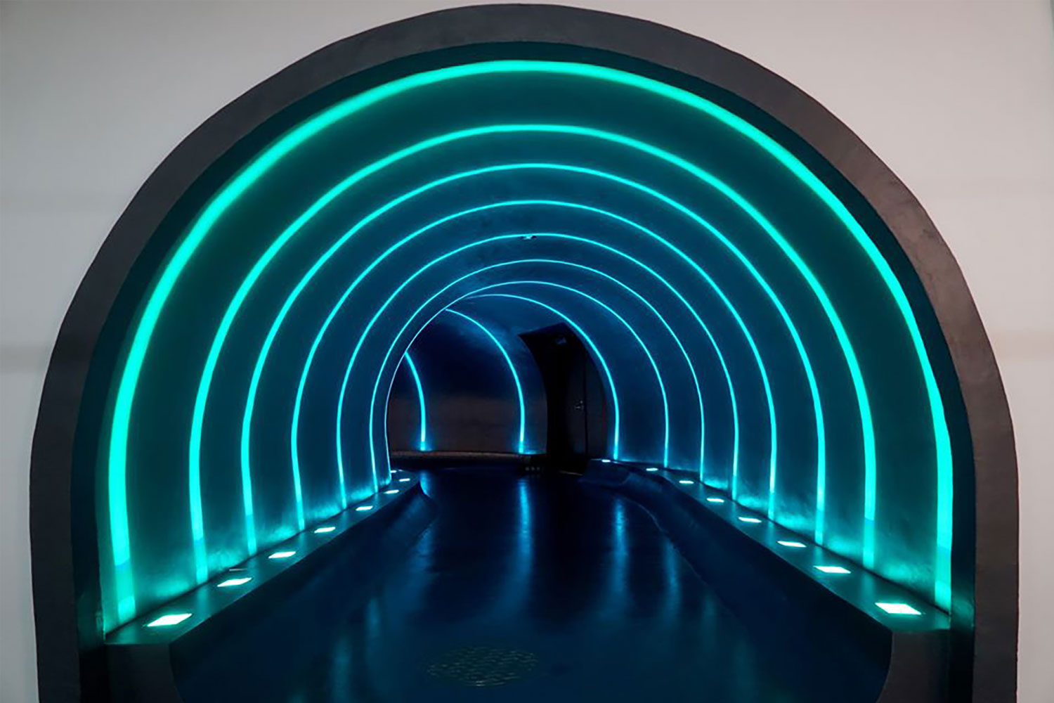 """Pattern Forming LED Lighting: Line Type """"HOLOLIGHT LINE"""" Series"""
